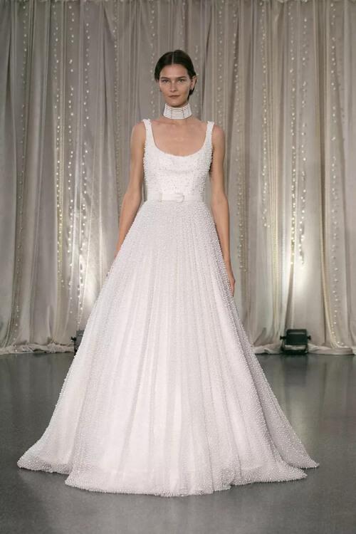 xu hướng Váy cưới đai lưng